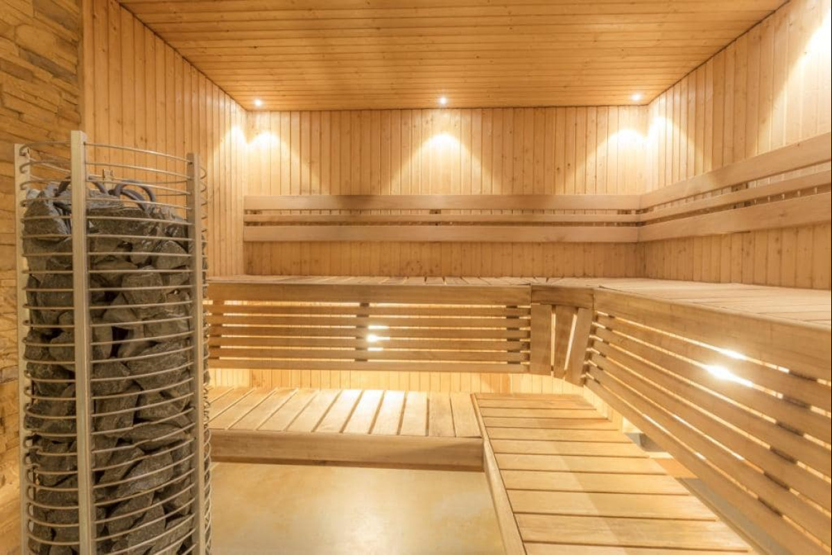 Saunas & hot tubs in Highgate-N6